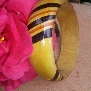 Wooden hand-painted bangle.